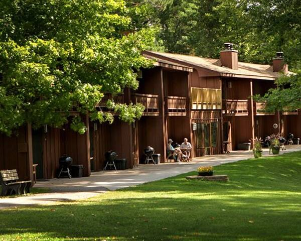 Lake Forest Resort #1