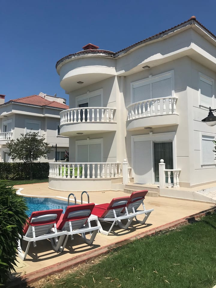 Golf Village Blue Homes M Villa (4 Bedrooms)