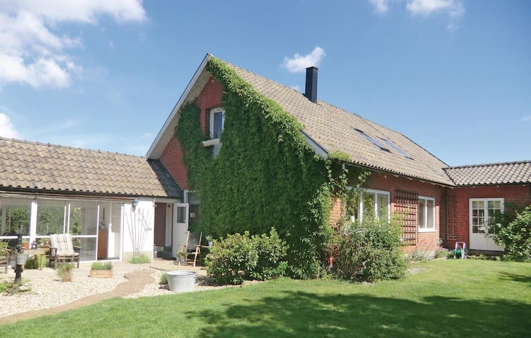 Holiday cottage with 4 bedrooms on 180m² in Helsingborg