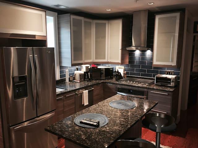 Make dinner in this gourmet kitchen!