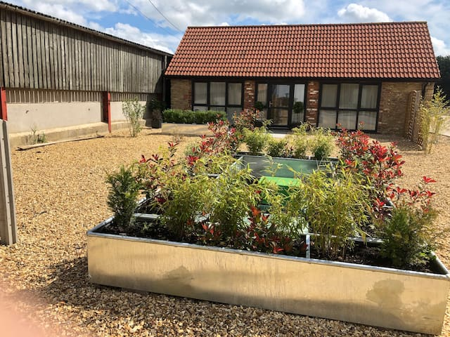 Peony Cottage - a 1-bedroom holiday let