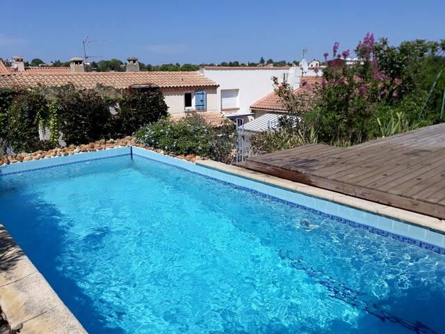 Jolie maison avec terrasse, piscine, barbecue