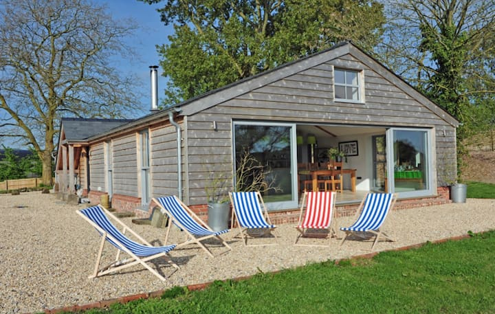 Stunning spacious self contained barn conversion
