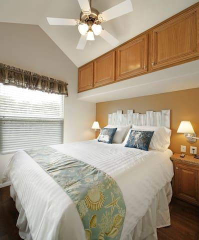Cottage 300 Bedroom
