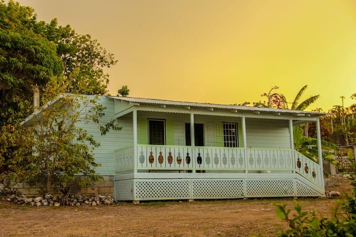 Sunshine Lodge: The Cottage