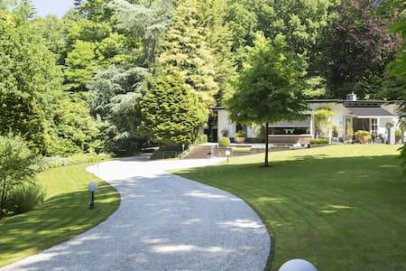 Beautiful villa in a gorgeous garden & forest! - Epse - 别墅