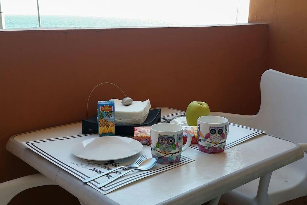 ¿Would you like a good breakfast with seaside? ¿Un buen desayuno con vistas al mar?