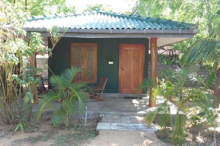 JC Guest House., cabana - Pensió