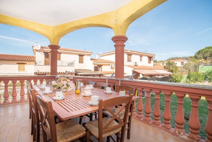 Centrally Located, Mediterranean Holiday Apartment with Garden and Terrace; Pets Allowed