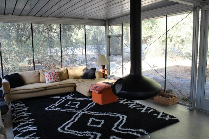 Glass House with river access! - Three Rivers - Casa