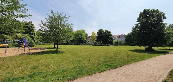 Gemütliche, zentrale 80 m² DGWohnung  mit Garten