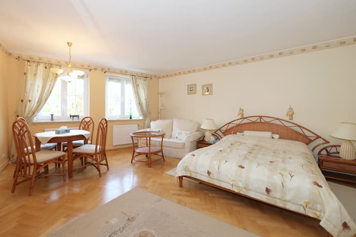 Spacious apartment 100m to the beach Sopot center