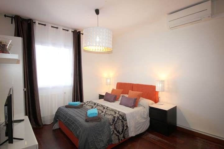 Nice room for 3 people Pl.Spain
