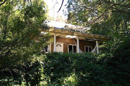 Casa en el Cerro Otto montaña y bosque