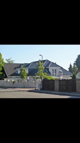 Luxury House - 3Bdr/2 Bthr near to Hannover Messe