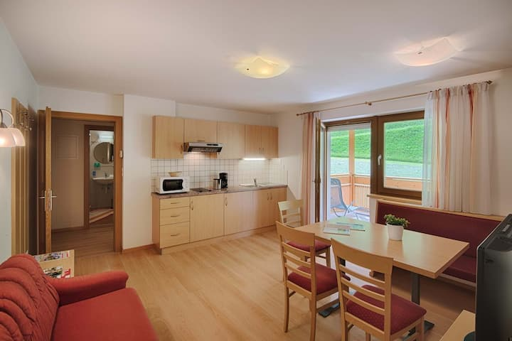 Holiday Apartment Lilie with Mountain View, Wi-Fi, Terrace & Garden; Parking Available, Pets Allowed