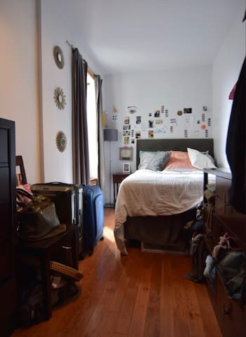 short term 1 bed available in greenpoint!!!
