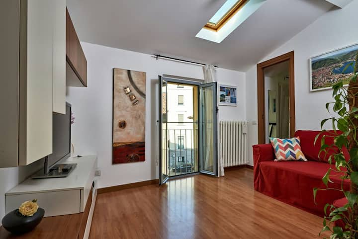 "Cozy flat in center ""La chiave di Volta"""