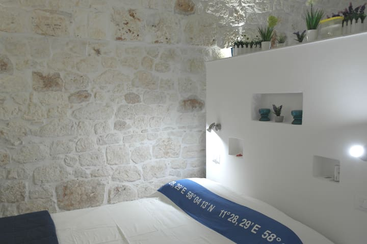 Lovely stone flat in Ostuni centre, easy parking
