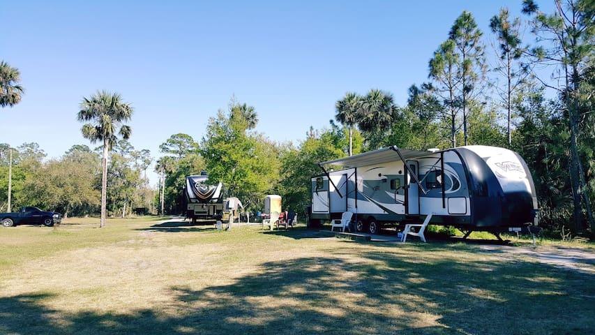 Camping! RV/camper/tent spaces. Nr Orlando/beach.