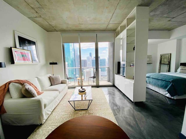 Designer Loft Downtown/Brickell Miami w/ Parking