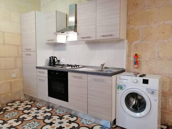 Cosy Heritage Maisonette, Close to Valletta