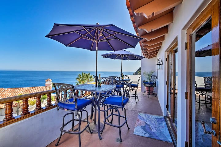Avalon Luxury Villa in Hamilton Cove w/ Ocean View