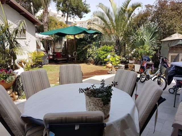 Beautiful Apartment in the center of Kefar Saba