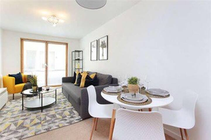 ★ Modern and Bright 1Bed in Heart of Clapham ★