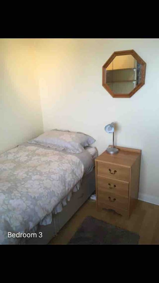 Single bed. Memory foam topper. Quilt, sheet, pillows supplied. Towels also included for use during the stay.