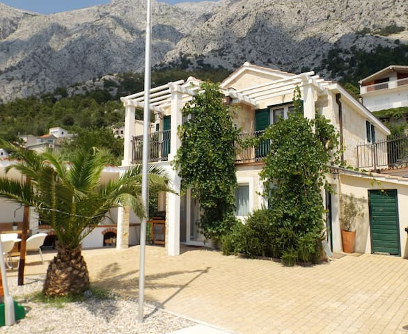 Grandpa Luka/Heated Pool/ Avbl in high season!! - Makarska - Villa