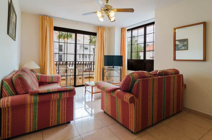 One Bed-Room Apartment with Balcony, 50m2, Heated Pool and Free Wi-Fi
