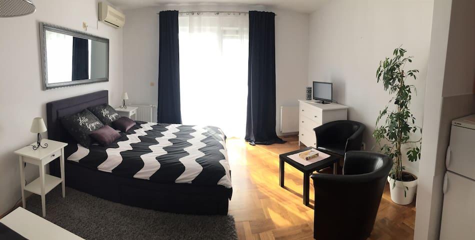 Studio apartman Lara