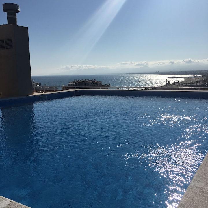 Céntrico en Salou , piscinas vistas al mar, WIFI