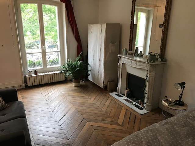 Beautiful and spacious room to rent in Paris