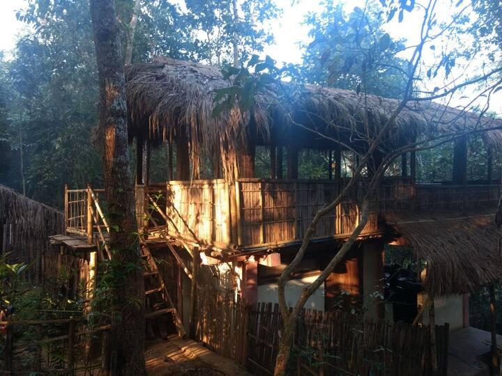 The Silk Weavers' Hut