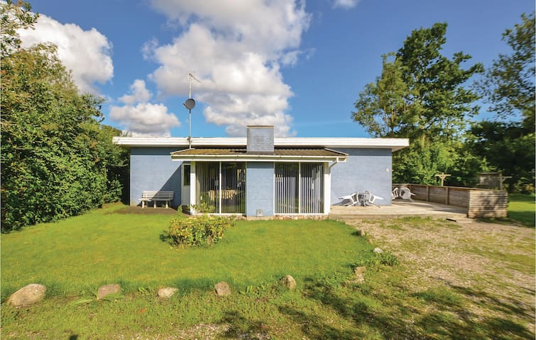 Holiday cottage with 3 bedrooms on 94m² in Augustenborg