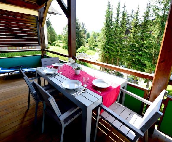 Apartment with balcony, sauna & private beach