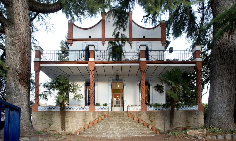 Estupenda casa modernista con jardín en Aiguafreda - Aiguafreda - Vacation home