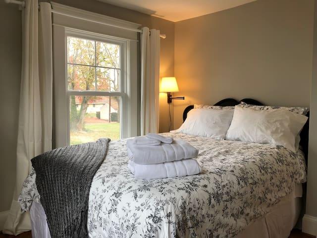 Queen bedroom number 1