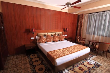 Super Deluxe room- Yarlam Portico - East Sikkim