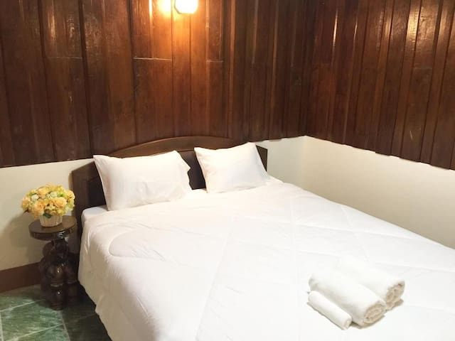 4A✸ Phasing Temple Old Town Double bed
