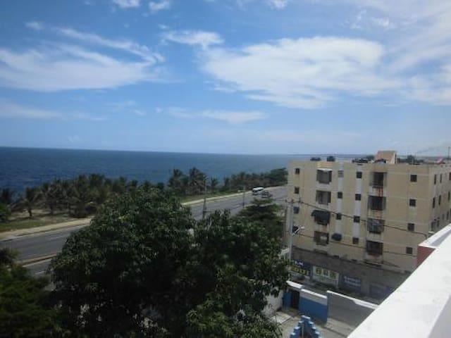 Apartamentos en alquiler, Malecon con vista al mar