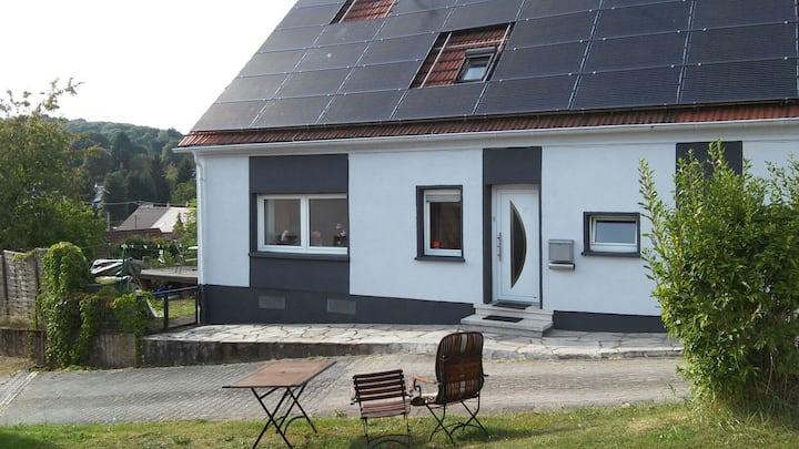 Haus kompl.  3 Schlafzimmer 2 Bäder  Stellplätze