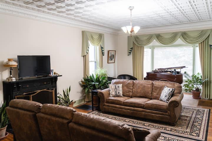 1870's Victorian on wooded lot, entire first floor