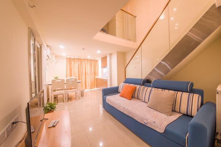 海星精品loft.近大明湖/泉城广场/芙蓉街/宽厚里/欧式装修,上下两层复式公寓