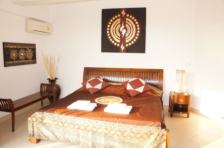 Tropical Beach 2Br apartment - Rayong - Lejlighed
