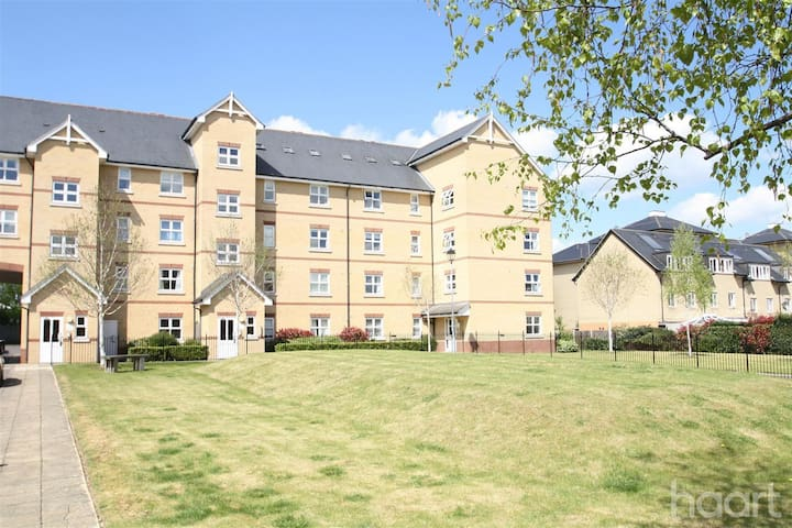 2-bed flat nr train station sleeps 6, free parking - Cambridge - Apartment