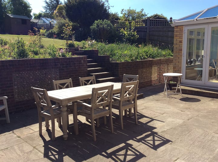 Quiet House in Eastbourne. Close to town centre.