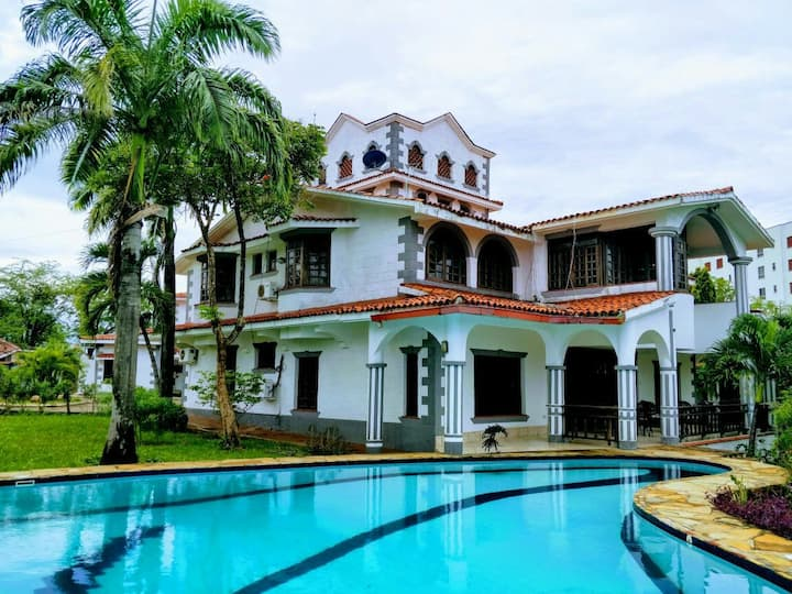 Amazing house 5 mins from sandy Mombasa beach!